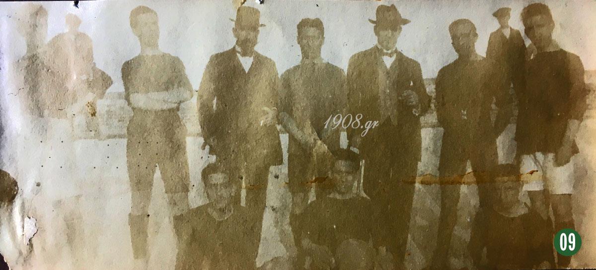 Σπάνια ομαδική φωτογραφία του Παναθηναϊκού, 1918, Γιώργος Καλαφάτης, ο ιδρυτής του Παναθηναϊκού, Χρήστος Μπρισιμιτζάκης, vivliapao.gr